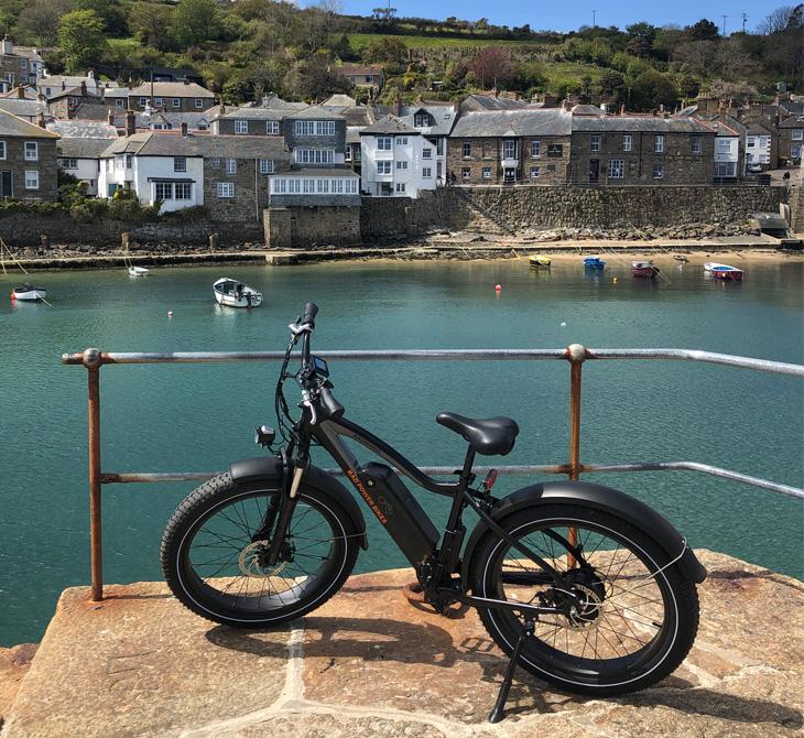 Coast bike trails in Cornwall