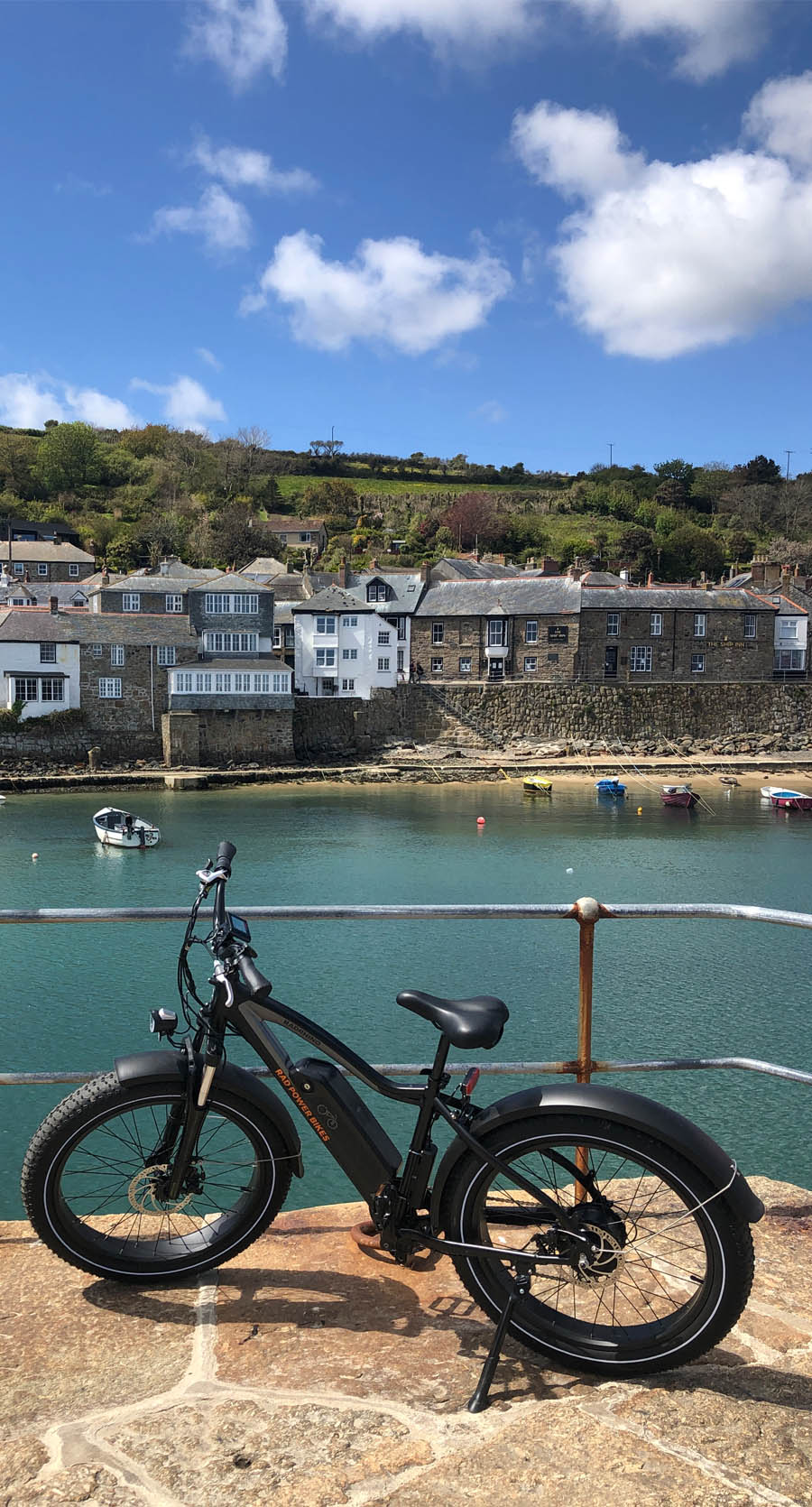 eBike Hire and cycle route along the coast to coast cycle trail in Cornwall